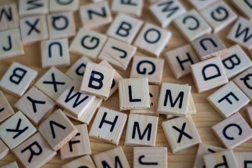 Jogos que auxiliam a alfabetização de crianças com dislexia
